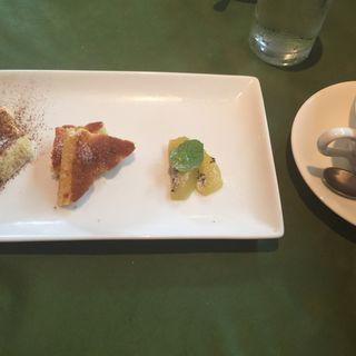 Bセット(デザート2種と季節のフルーツ),コーヒー(ロルマ アッティーヴァ (L'orma attiva))