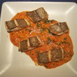 真鯛の鉄板焼生ウニトマトクリームソース(Trattoria Vino)