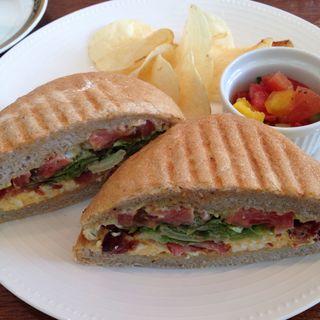 タマゴ ベーコン サンドイッチ (ランチセット)(リアン サンドイッチ カフェ)