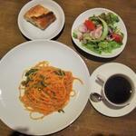 サーモンとほうれん草のトマトクリームスパゲッティランチ(Trattoria Vino)