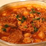 ハチノスとひよこ豆のトマト煮(バル・アキ (Bar Aqui))