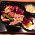 焼き鳥丼(鳥与志 (とりよし))