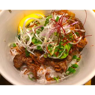 とんてきアボカド丼塩レモンソース(黒ぶたや ルミネ町田店 (くろぶたや))