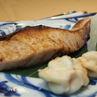 ぶりの塩焼き(鮨みもと (【旧店名】鮨みはち))