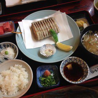 太刀魚の唐揚げ御膳(いせ源 本館 (いせげん))
