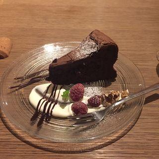 クーベルチュールビターのガトーショコラ(biotope cafe dining (ビオトープ カフェ ダイニング))