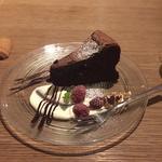 クーベルチュールビターのガトーショコラ