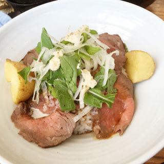 ローストビーフ丼(みのる食堂 銀座三越店)