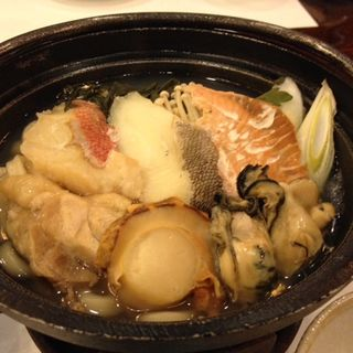 海鮮鍋(仲乃家 (ナカノヤ))