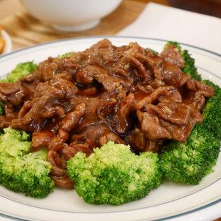 牛肉のオイスターソース炒めセット(紅虎家常菜 佐野プレミアムアウトレット店 )