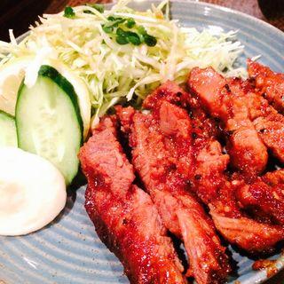 黒豚の味噌漬け 炭火焼(霧島地鶏 きばいやんせ (きりしまじどり きばいやんせ))