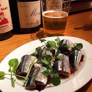 秋刀魚とビーツのマリネ(酒場 マチルダ)