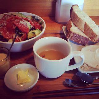茶蔵坊トーストとアボカドサーモンサラダセット(創作茶屋 茶蔵坊)