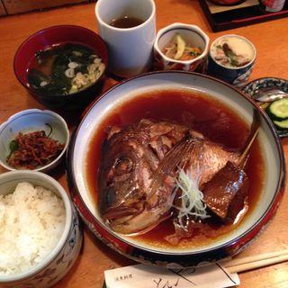 鯛のかぶと煮定食(活魚料理ととや (かつぎょりょうり・ととや))