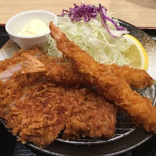 ロースかつ&海老フライ定食(松乃家 東新宿店 )