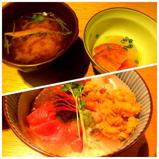 海鮮丼定食(雨後晴 青山 )