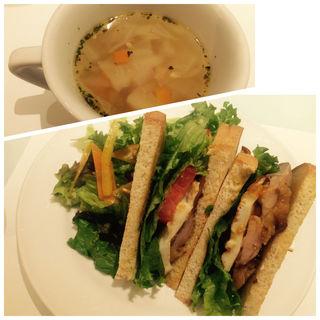 照り焼きチキンのサンドイッチ(アン カフェ (un cafe))