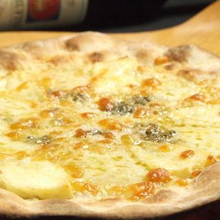 クアトロフォルマッジ(4種チーズ)のピッツァ(Wine&Dining 蔵人 )