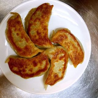 餃子( 中国料理 龍鳳 )