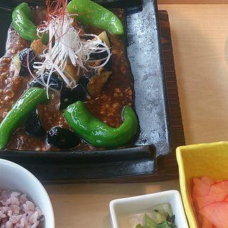 茄子と万願寺唐辛子の「麻婆茄子」定食