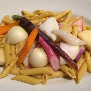 本日のおすすめパスタ 新鮮三浦野菜のペペロンチーノ(フル)(100本のスプーン FUTAKOTAMAGAWA)