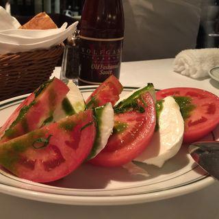 トマトとモッツァレラチーズのサラダ(ウルフギャング・ステーキハウス 大阪店 )