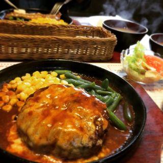 チーズハンバーグ(ペコペコ 鹿浜1号店 )
