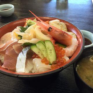 海鮮丼(村上水産仲買人直営店鮮魚部)