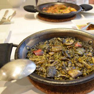 イカスミパエリヤ(スペイン海鮮料理 ラ マーサ (La masa))