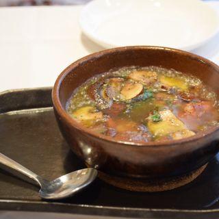 マッシュルームとエビのアヒージョ(スペイン海鮮料理 ラ マーサ (La masa))