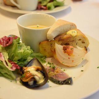 タパス盛り合わせ(スペイン海鮮料理 ラ マーサ (La masa))