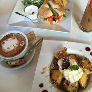 ベーグルサンド・フレンチトースト(HAMA CAFE)