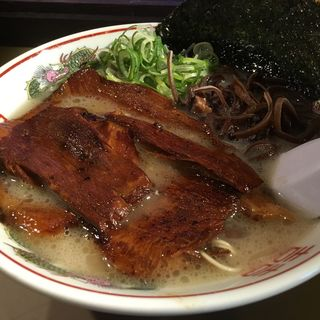 博多濃厚豚骨 豚トロ 肉盛りラーメン(博多だるま NORTH JAPAN)