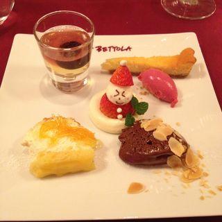 デザートの盛り合わせ(ラ・ベットラ・ダ・オチアイ ナゴヤ (LA BETTOLA da Ochiai NAGOYA))
