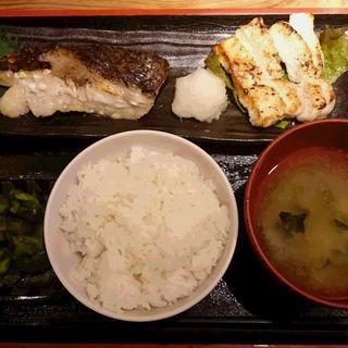 黒むつ西京焼と筑波鶏あぶり焼定食(めしや太治兵衛)