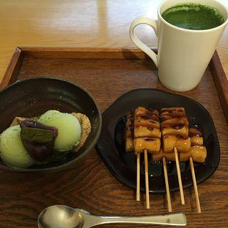 ミニパフェとみたらし団子(うめぞの カフェアンドギャラリー (うめぞの CAFE & GALLERY))