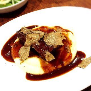 国産牛ホホ肉の赤ワイン煮込み