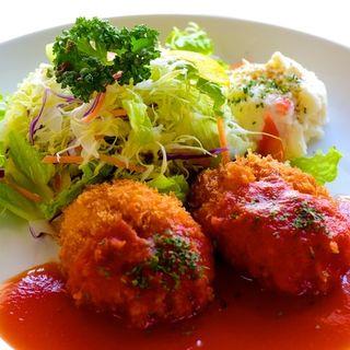 カニクリームコロッケ ~ トマトソース ~(キッチンエッグス (Kitchen Eggs))