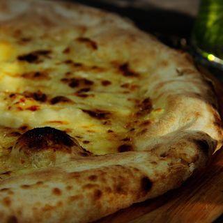 石窯ピザ(はちみつ/チーズ)(参捨六番CAFE 森の時間)