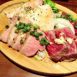 すごい肉の盛り合わせ(肉バル Angie (ニクバル アンジー))