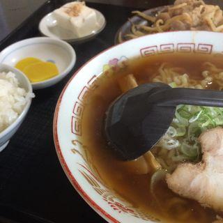 ラーメン定食(バラ肉炒め)(すがい食堂 バイパス店 )