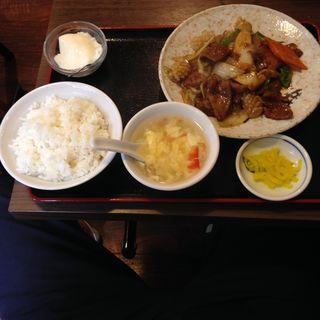 イカと豚レバ甘辛炒め定食(勇記餃子房 (ユウキギョウザボウ))
