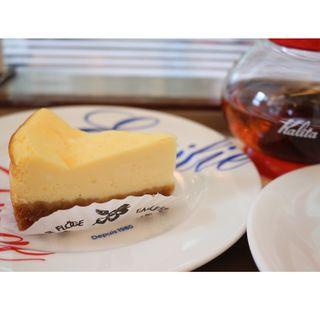 ベイクドチーズケーキ(キャフェ・クリムト )
