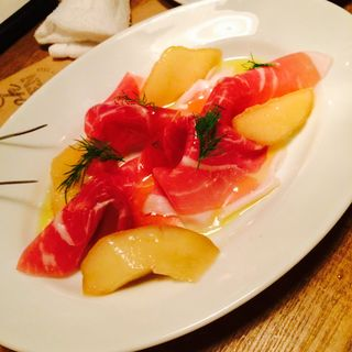 生ハムと季節の果物(BISTRO BROOK KITCHEN(熟成肉ビストロ) (ビストロ ブルック キッチン))