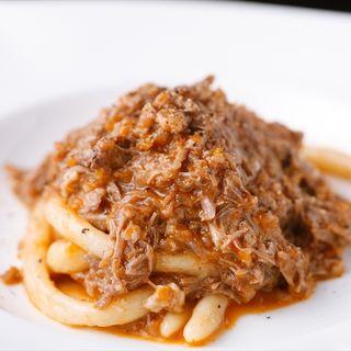 牛肉のトマト煮込みパスタ(オルティージャ (ORTIGIA))