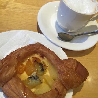 タルトパイとカフェオレ(ベーカリーカフェ デリーナ 塩竃店 )
