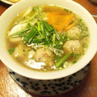 白菜と鶏だんごのフォー(亞細亞食堂サイゴン 狛江店 (亜細亜食堂 アジアショクドウサイゴン))