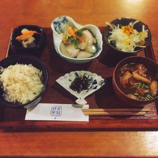本日の一汁三菜定食(日常茶飯 )