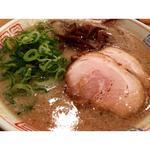 グルメの宝庫・九州で、地元民にも愛されるとんこつラーメンを食べ歩く