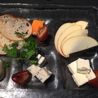 チーズの盛合せ(喰心-meat Dining- (クウシン))